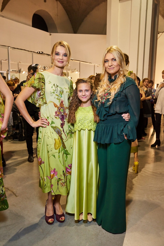 13-річна дівчинка з Луганщини вийшла на подіум Ukrainian Fashion Week
